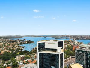 luxury-apartment-with-panoramic-harbour-view